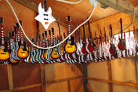 Guitar miniature drying