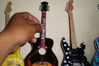 our galleries of miniature guitars products